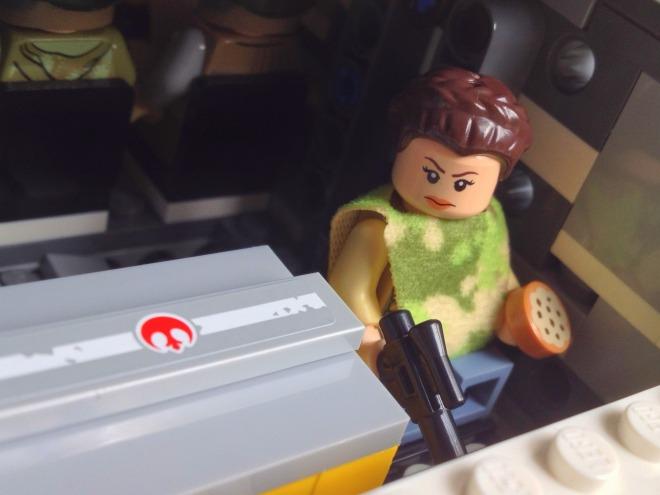 LEGO Star Wars Imperial Shuttle Tydirium 75094, Princess Leia LEGO minifig Endor ooutfit