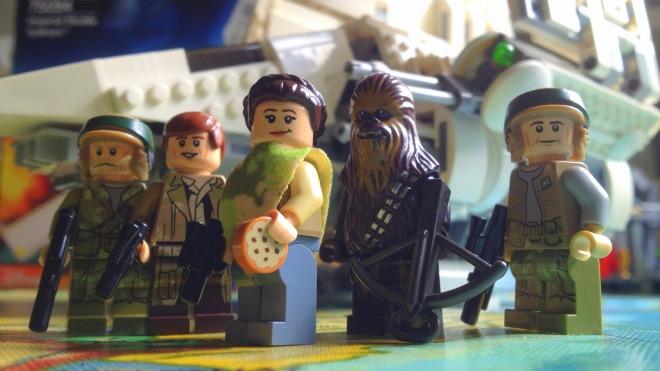 LEGO Star Wars Imperial Shuttle Tydirium 75094, LEGO Princess Leia ,  Princess Leia LEGO minifig, Han Solo LEGO minifig, Chewbacca LEGO minifig, Endor ooutfit