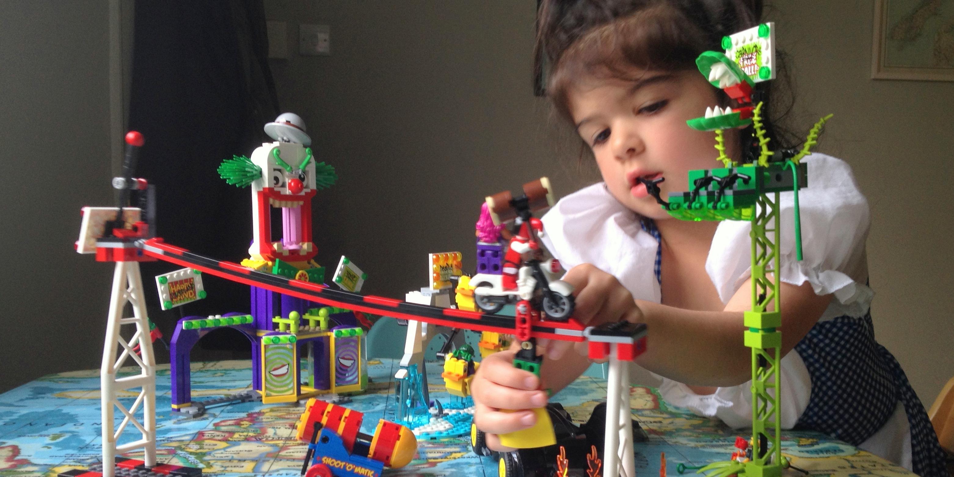 LEGO NEW POSION IVY BATMAN MINIFIGURE FROM JOKERLAND SET 76035