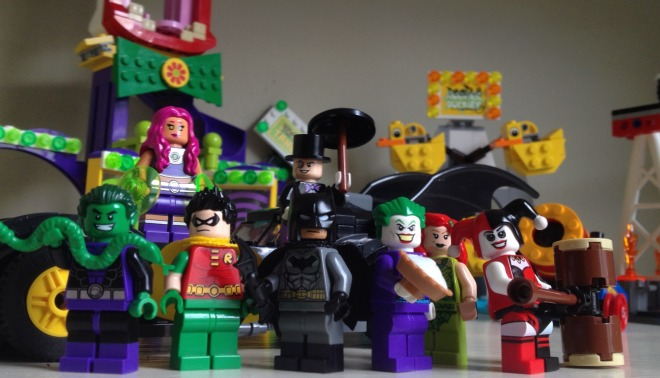 Batman, Robin, Beast Boy, Starfire, The Penguin, The Joker, Poison Ivy, Harley Quinn, LEGO, minifigs, minifigures,
